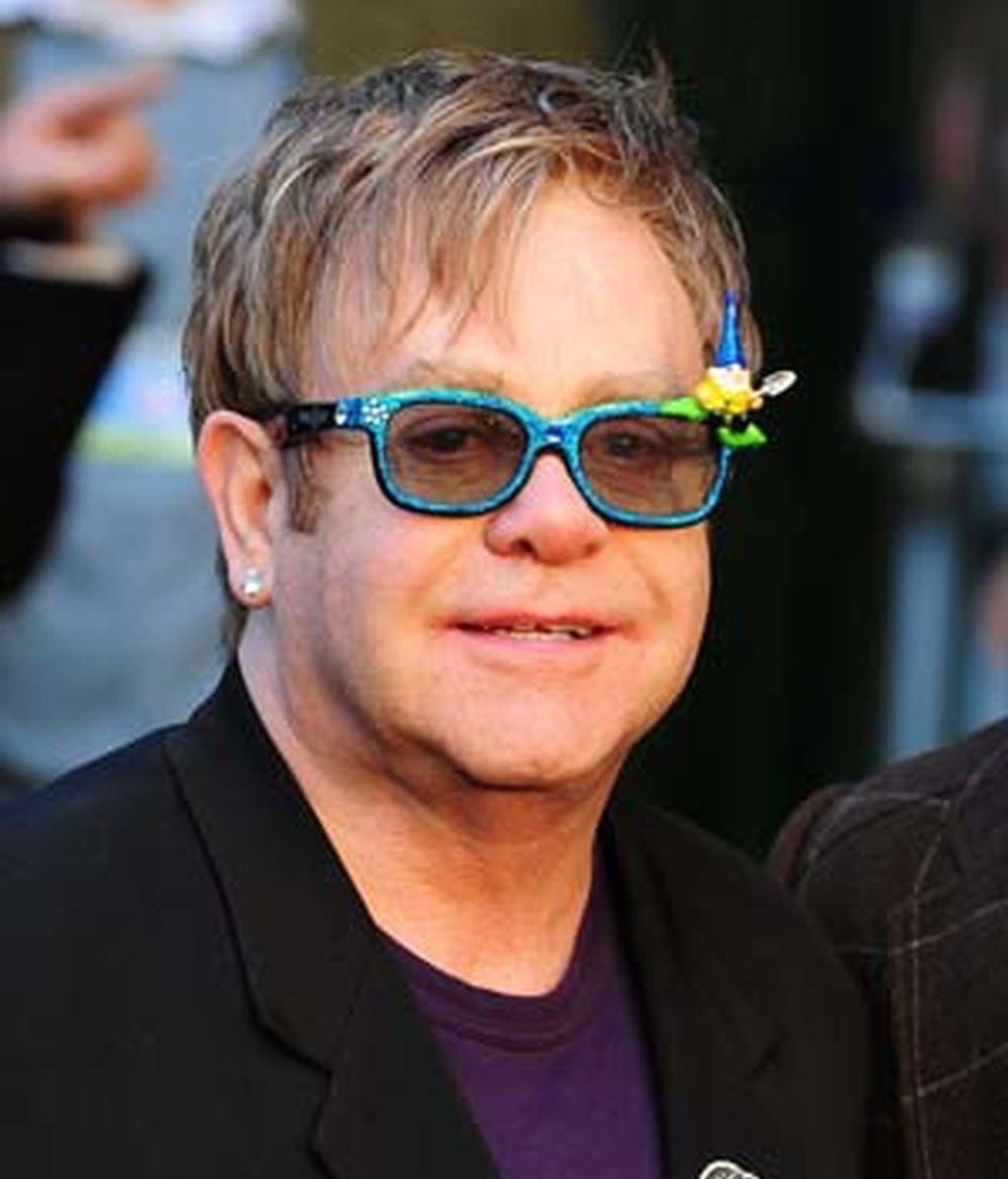 El cantante Elton John no deja títere con cabeza en lo que a celebrities se refiere. FOTO:GTRES