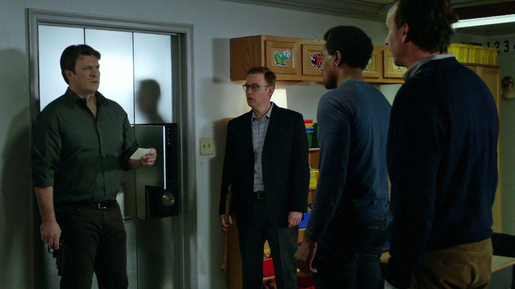 """Castle descubre una pistola y una nota: """"Hay tres balas y somos cuatro"""""""