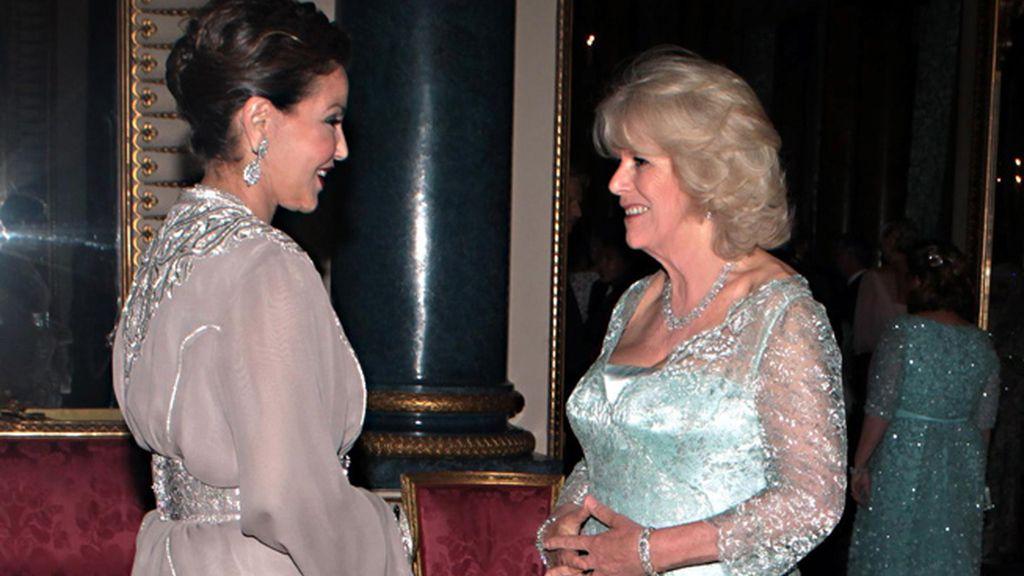La princesa Lalla Meryem de Marruecos, con Camilla, duquesa de Cornualles