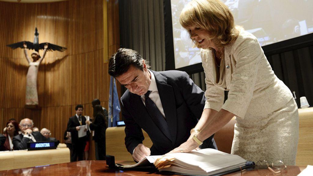 España firma el Tratado sobre el Comercio de Armas de la ONU
