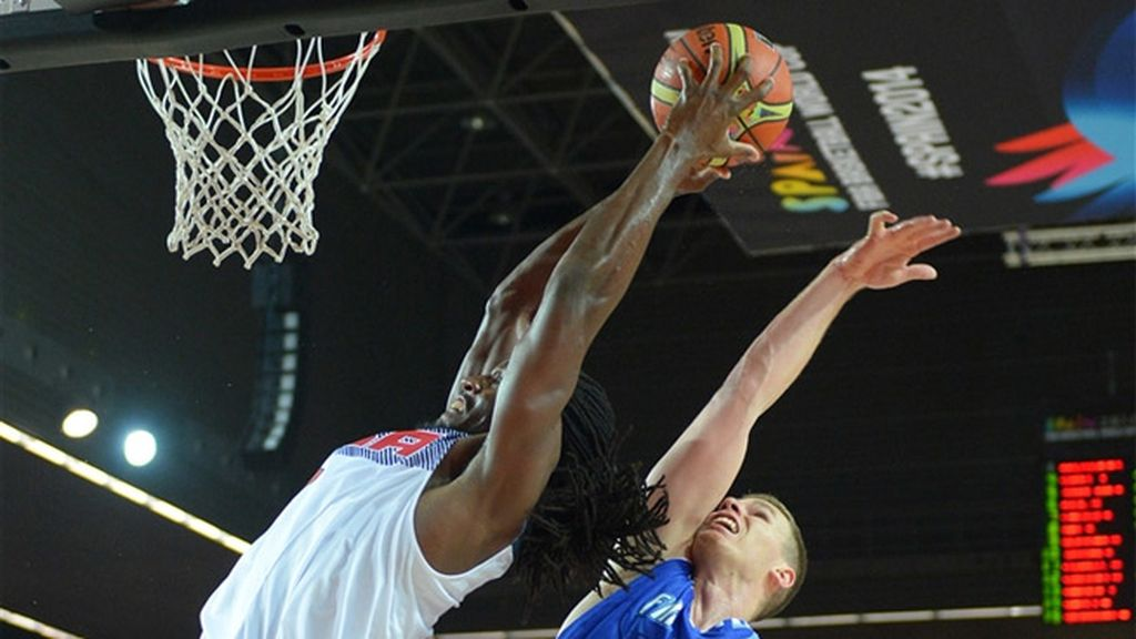 Kenneth Faried anotó el primer mate de Estados Unidos en el Mundobasket
