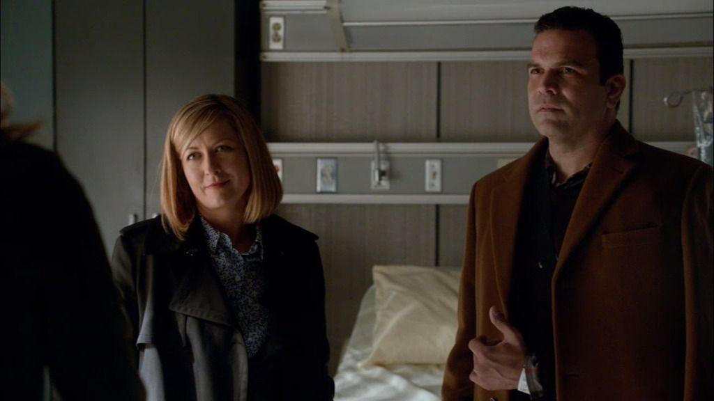 Castle y Beckett descubren a la verdadera culpable: Megan, ayudante del senador