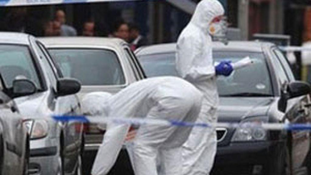 Investigan la muerte de tres hombres atropellados en Birmingham, que fallecieron mientras intentaban defender su vecindario de saqueos. Foto: AP.