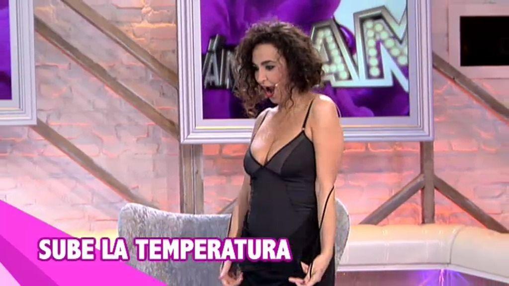 El \'mini striptease\' de Cristina Rodriguez