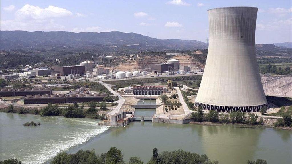 Vista general de la central nuclear de Ascó II (Tarragona). EFE/Archivo