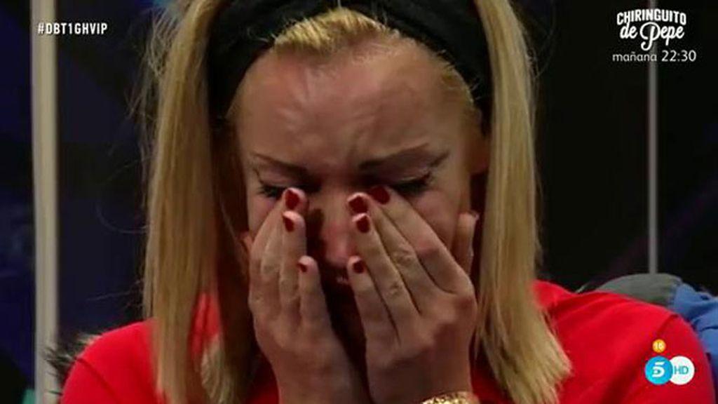 Belén llora al recordar a Dani, su novio fallecido en un accidente de moto