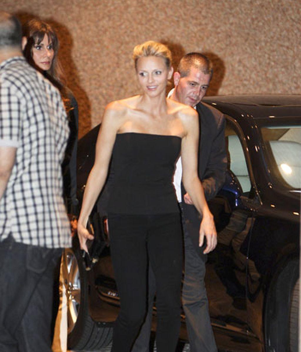 Charlene llega al estadio Luis II