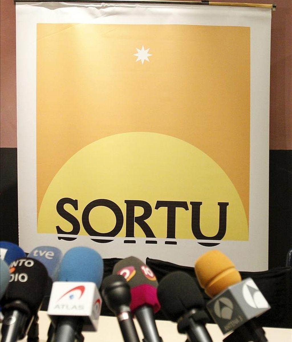 Panel con el logotipo de Sortu. EFE/Archivo