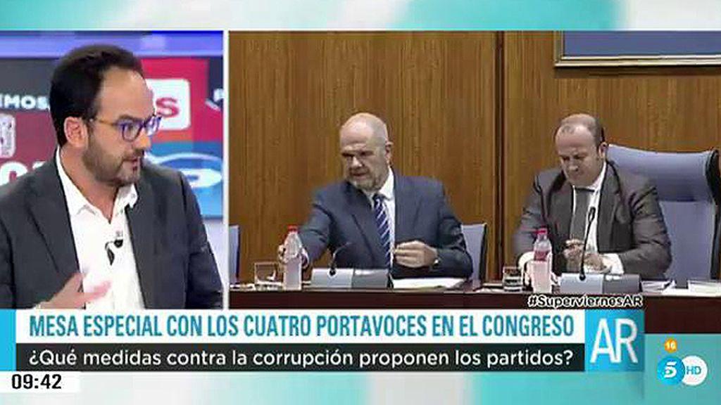 """Antonio Hernando: """"Pongo la mano en el fuego por Griñán y Cháves"""""""