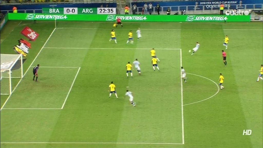 ¡Paradón de Alisson a la primera ocasión de gol de Argentina! Tiro con peligro de Biglia