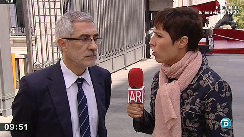 """Gaspar Llamazares: """"Tenemos un ministerios sin cabeza"""""""