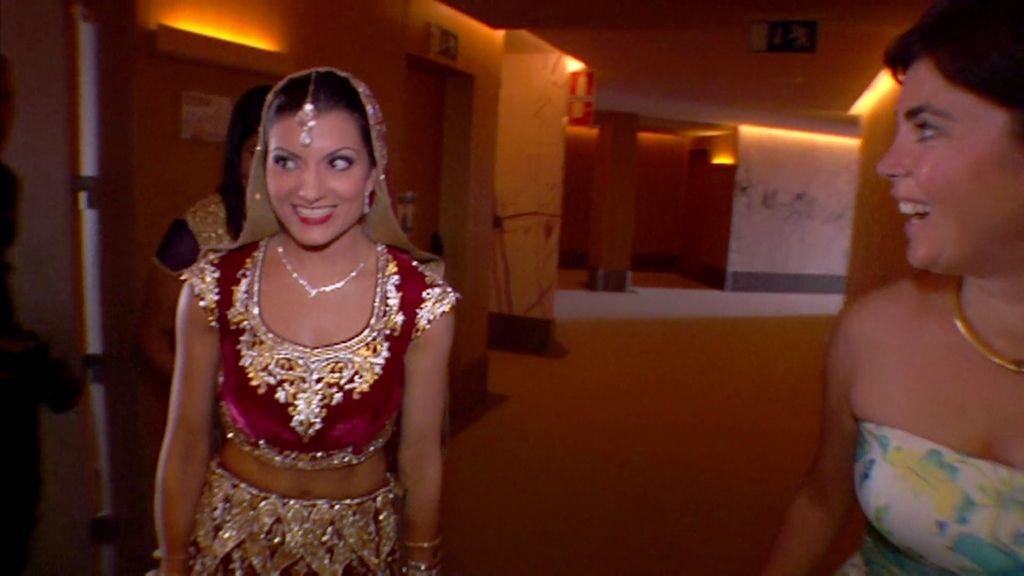 La boda india despliega toda su pomposidad: trajes, joyas y hasta caballos