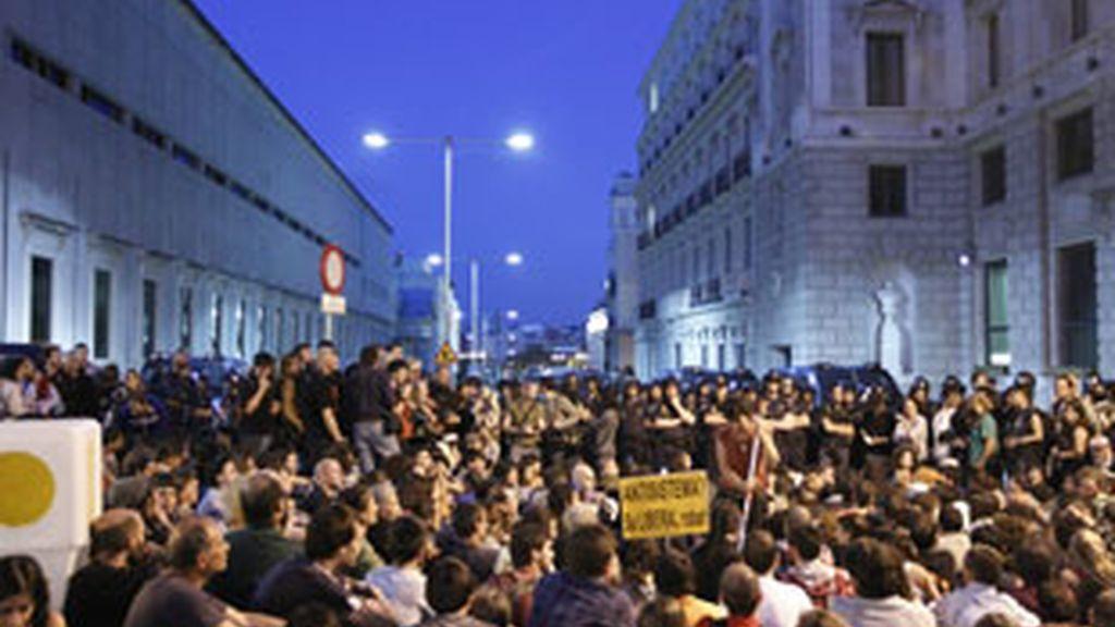 Siete de cada diez españoles asegura tener una imagen positiva del movimiento 15-M. Vídeo: Atlas.