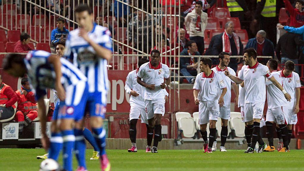 El Sevilla golea al Deportivo