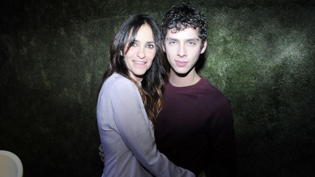 Melani Olivares y Eduardo Casanova