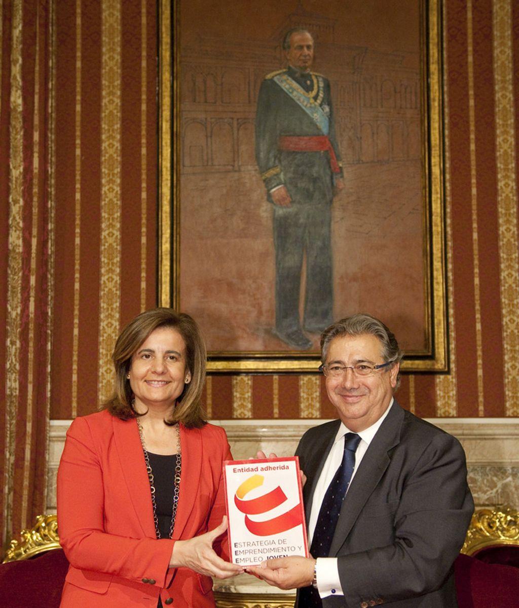"""Fátima Báñez firma en Sevilla el convenio """"Estrategia de Emprendimiento y Empleo Joven 2013-2016"""""""