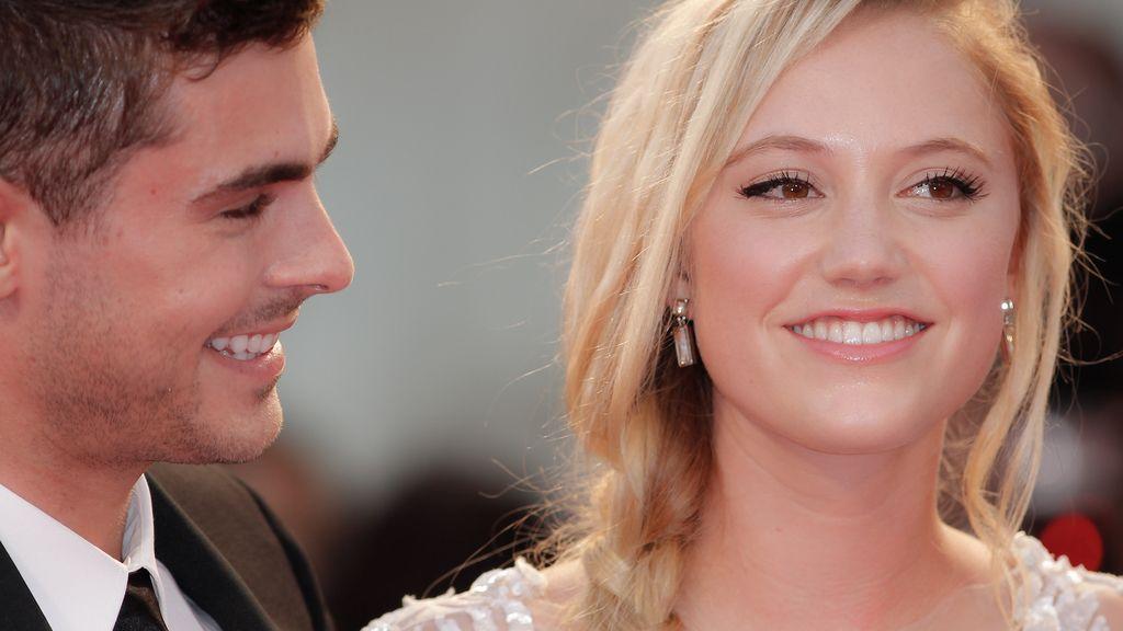 Zac Efron y Maika Monroe