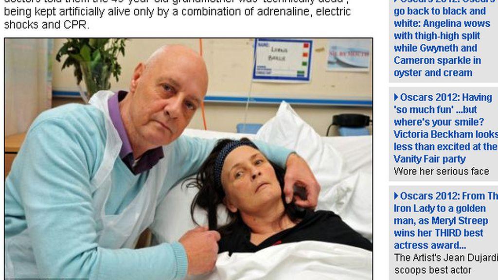 La mujer declarada muerta dejó  atónitos a los  médicos y  a su familia cuando volvió a la vida.