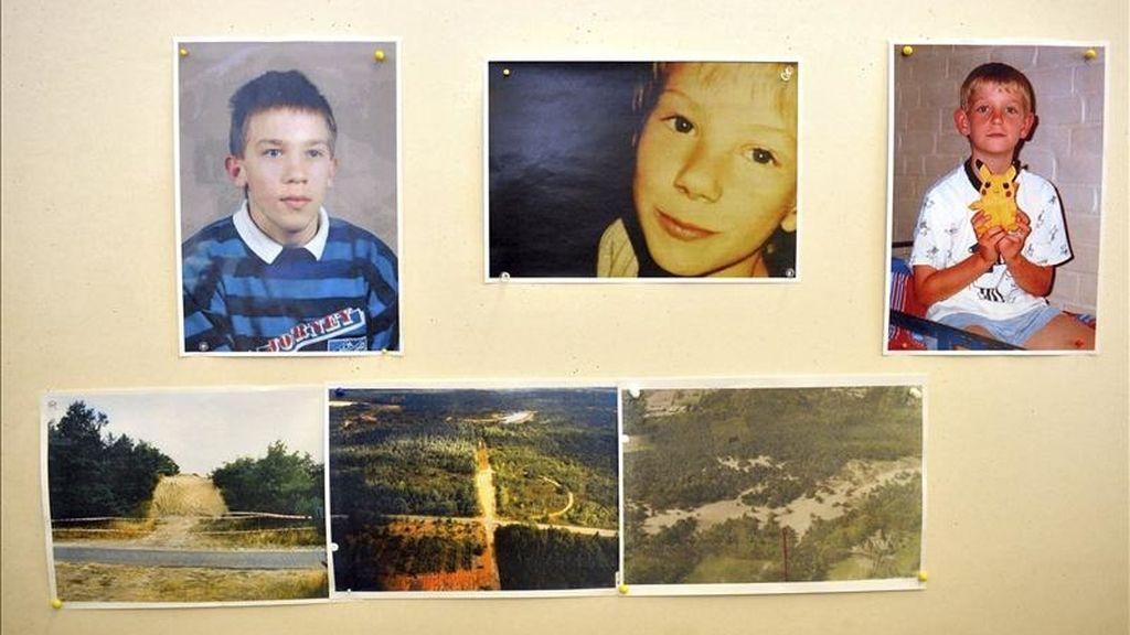 Fotografías de los niños asesinados (d-i) Dennis K., de nueve años de edad, Dennis R. (8 años) y Stefan J. (13 años), durante la rueda de prensa celebrada para anunciar la detención de su supuesto asesino, en Verden, en el norteño estado federado de la Baja Sajonia (Alemania), hoy, viernes 15 de abril de 2011. EFE