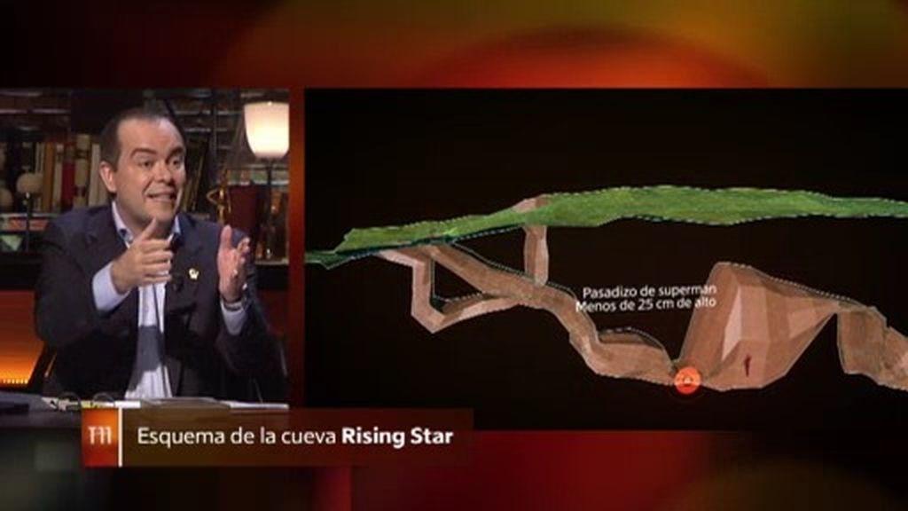"""Javier Sierra, sobre la cueva Rising Star: """"Es imposible recorrer a oscuras la cueva"""""""