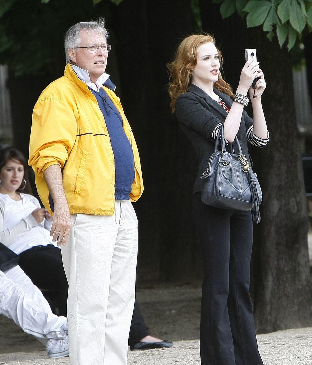 Evan Rachel Wood retrata París con su móvil