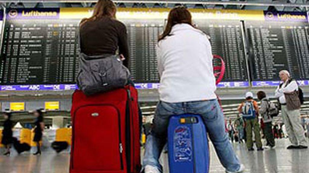 Pasajeros en el aeropuerto de Frankfurt Main, en una imagen de archivo.