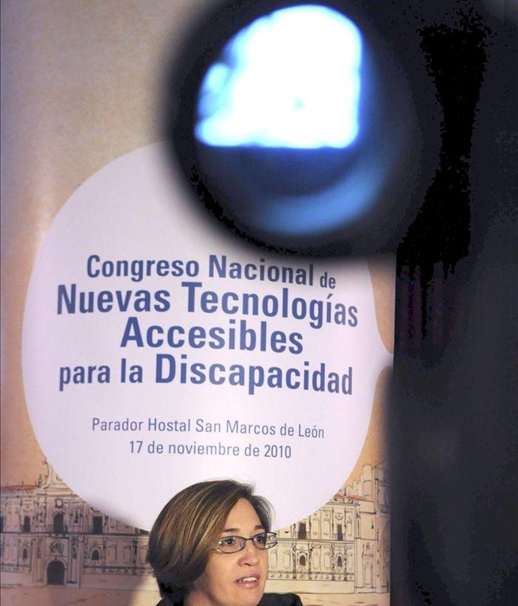 La secretaria general de la Política Social y Consumo, Isabel Martínez López, durante una rueda de prensa. EFE/Archivo
