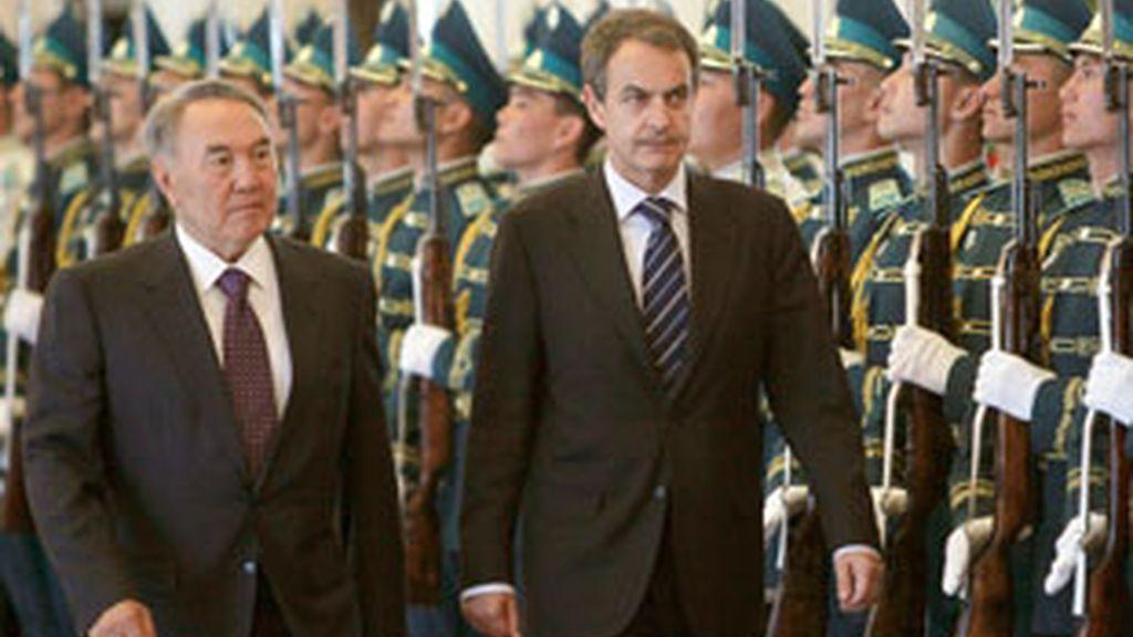 Según Zapatero, el Gobierno ya esperaba que el mes de junio fuese complicado en los mercados financieros. Vídeo: Informativos Telecicnco.