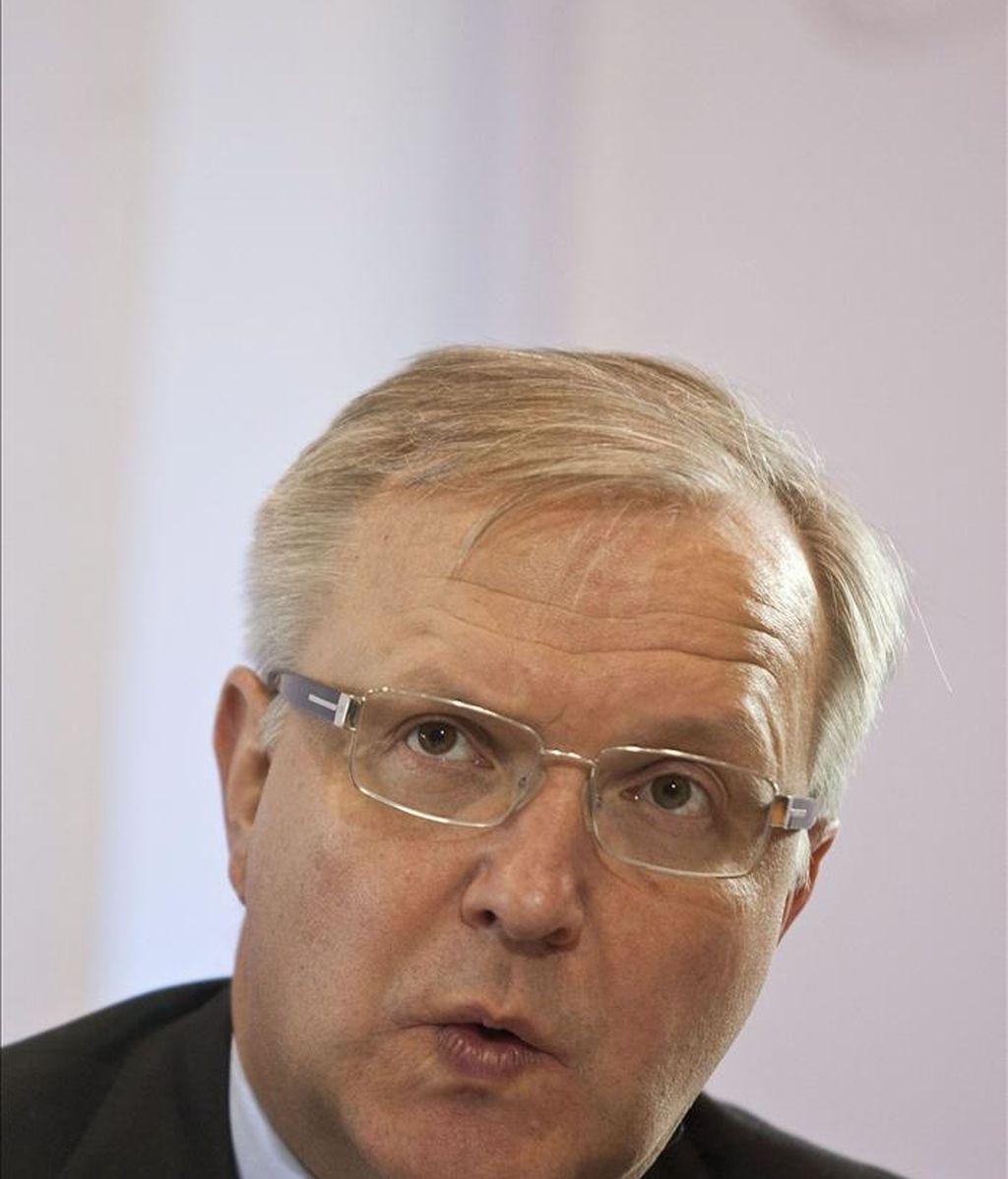El comisario europeo de Asuntos Económicos y Monetarios, el finlandés Olli Rehn, aseguró hoy en Helsinki que España no se ha contagiado de la crisis portuguesa, lo que le ha permitido alejarse del bloque de países más endeudados de la eurozona. EFE/Archivo