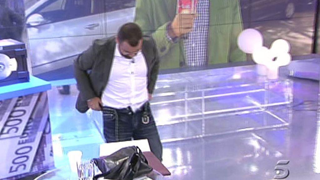 J.J. y José Antonio enseñan los calzoncillos