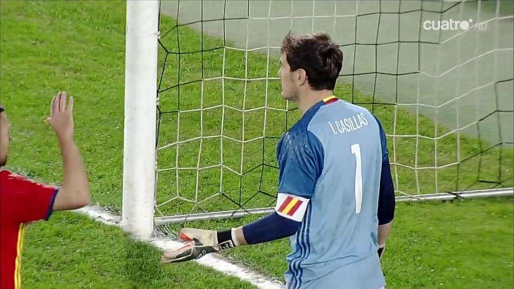 Casillas aparece y salva a España con un auténtico paradón