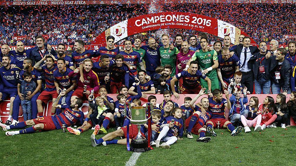Así ha sido la celebración del Barcelona con Iniesta como protagonista