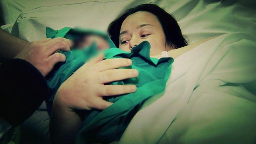 El equipo del 'Deluxe' acompaña a Chiqui en el nacimiento de su hija Alma