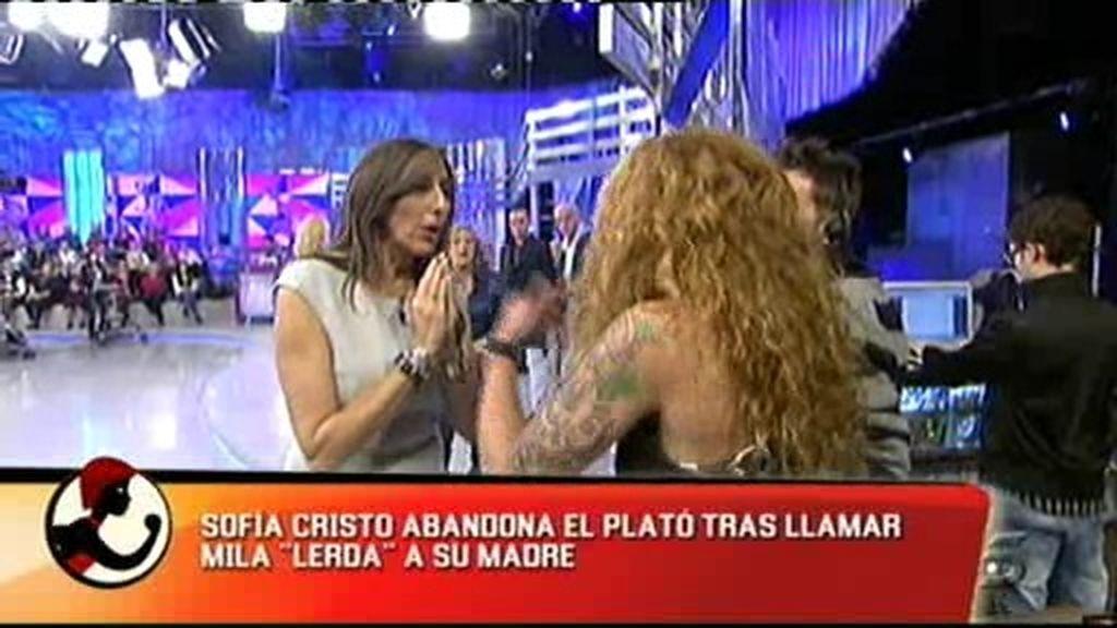 Mila y Sofía Cristo, enfrentadas
