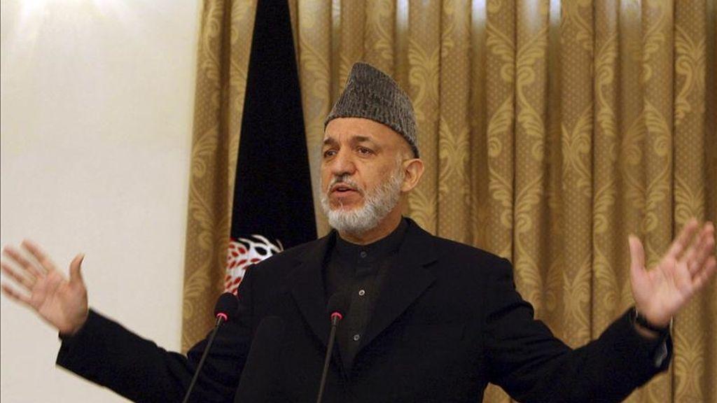 El presidente de Afganistán, Hamid Karzai, durante una rueda de prensa en la oficina presidencial en Kabul, Afganistán. EFE