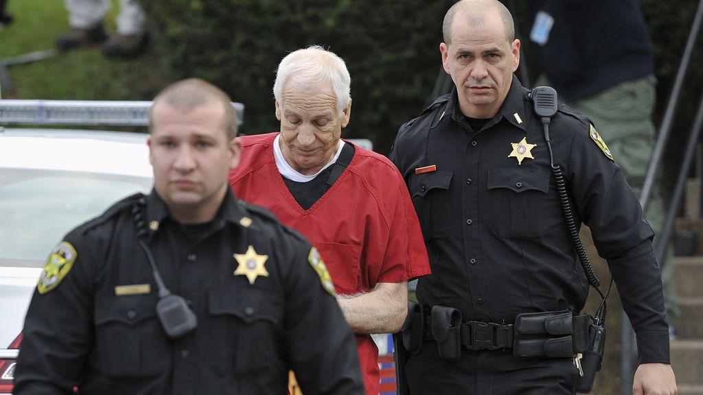 Jerry Sandusky, condenado de por vida por abuso sexual