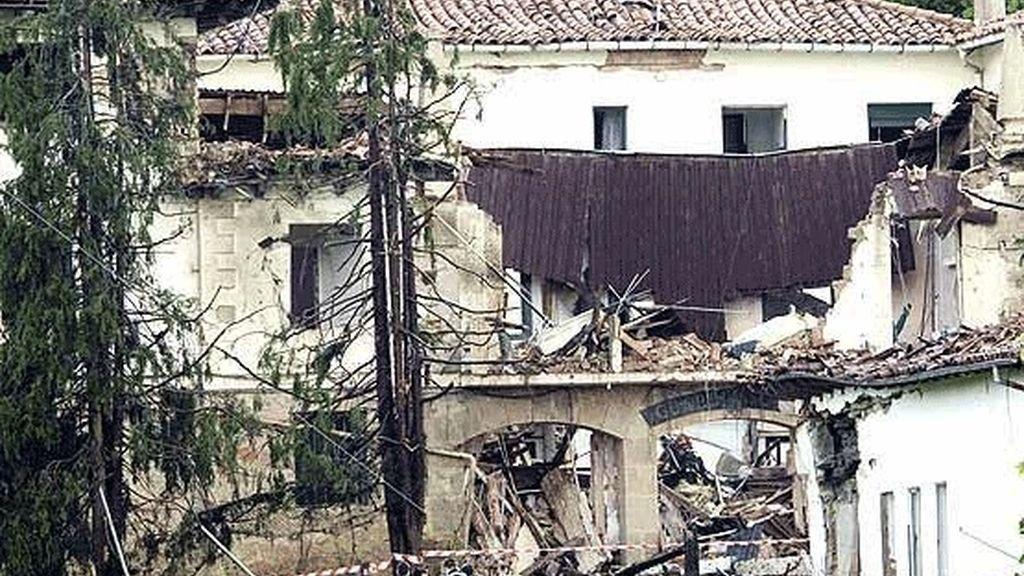 ETA atenta el 14 de mayo de 2008 contra la casa cuartel de la Guardia Civil en la localidad alavesa de Legutiano en el que perdió la vida el sargento Juan Manuel Piñuel y sufrieron heridas 27 personas.