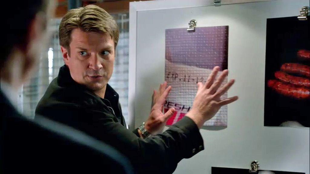 """Castle no consigue atar cabos: """"¿Salchichas humanas en Noviembre?"""""""