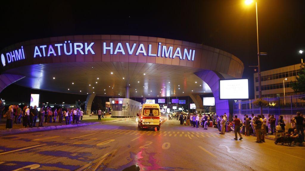 Más de 60 heridos son trasladados a los hospitales de Estambul tras el atentado