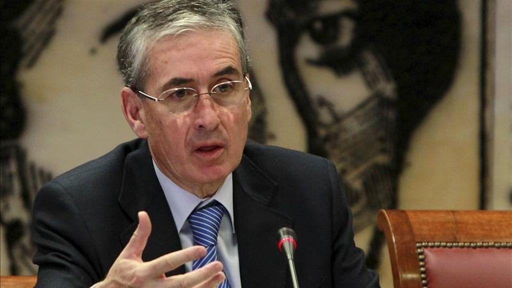 El ministro de Presidencia, Ramón Jáuregui, compareció hoy ante la Comisión de Asuntos Iberoamericanos para informar de los trabajos de la Comisión Nacional para la Conmemoración del Bicentenario de la Independencia de las Repúblicas Iberoamericanas. EFE