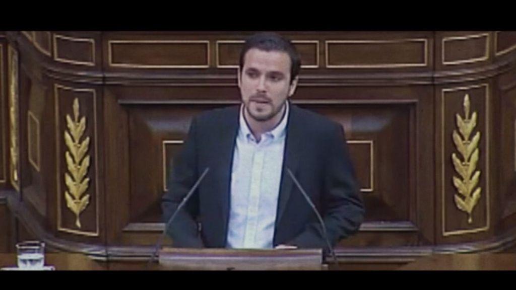 """Alberto Garzón: """"Se puede ser tonto y corrupto en varios idiomas"""""""