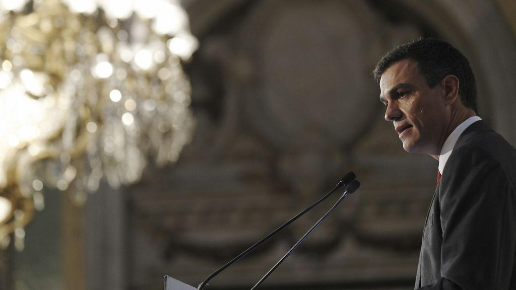 Pedro Sánchez considera un error las declaraciones de Margallo sobre Cataluña