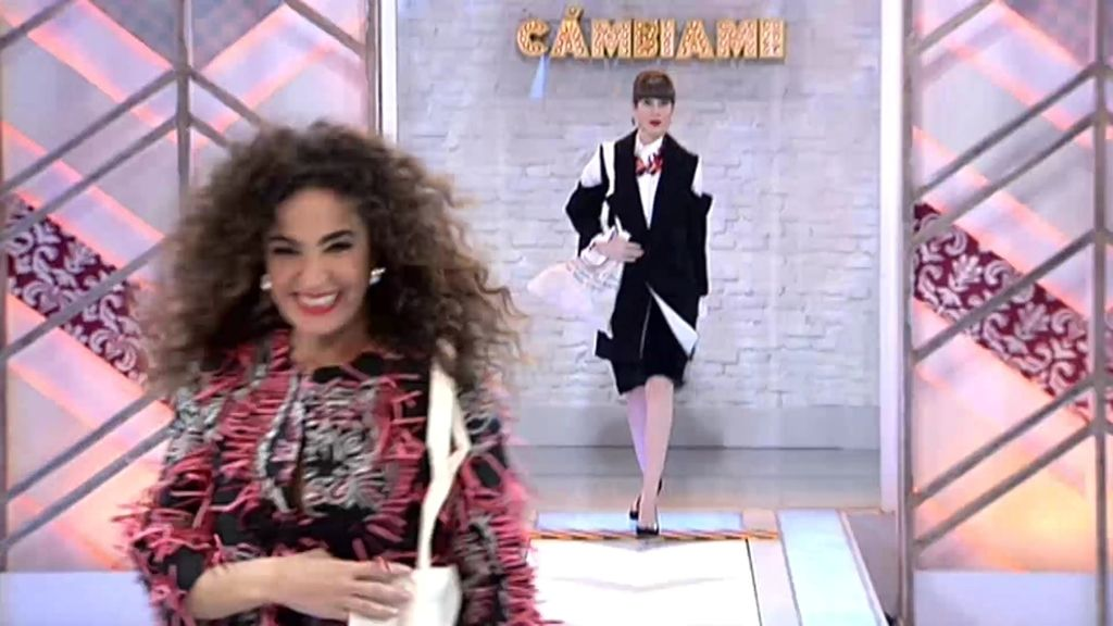 Natalia y Cristina, 'top models' por un día con la mini colección de accesorios de Pelayo