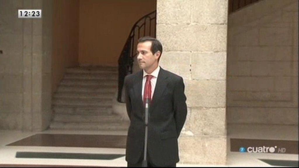 Dimite Salvador Victoria, consejero de Presidencia de la Comunidad de Madrid