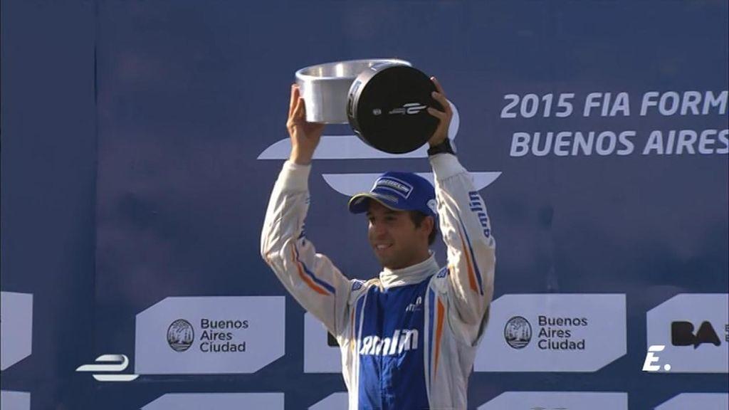 ¡Da Costa gana en Buenos Aires en una última vuelta de infarto con golpes y pasadas!