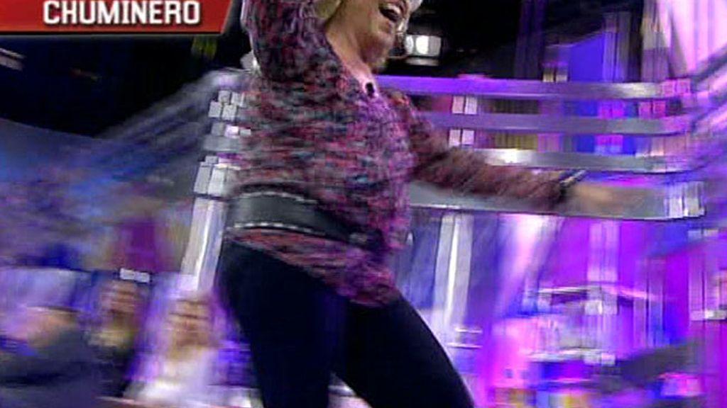 Lydia Lozano zanja polémicas con su baile 'chuminero'
