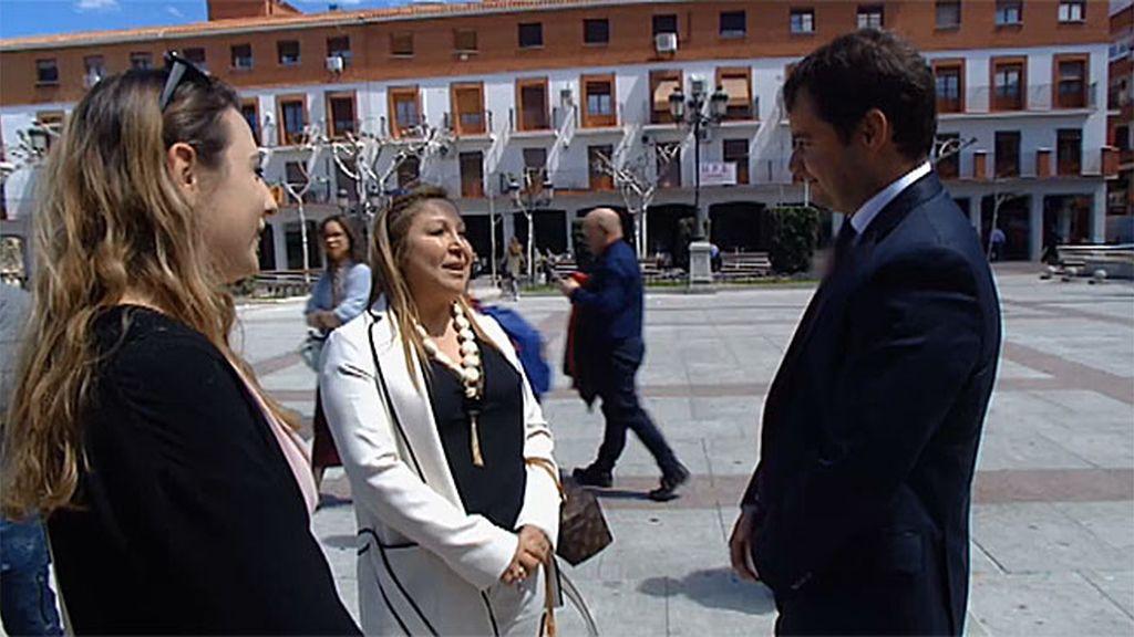 Mercedes habla con el alcalde de  Torrejón para saber si Anubis está seguro en la ciudad