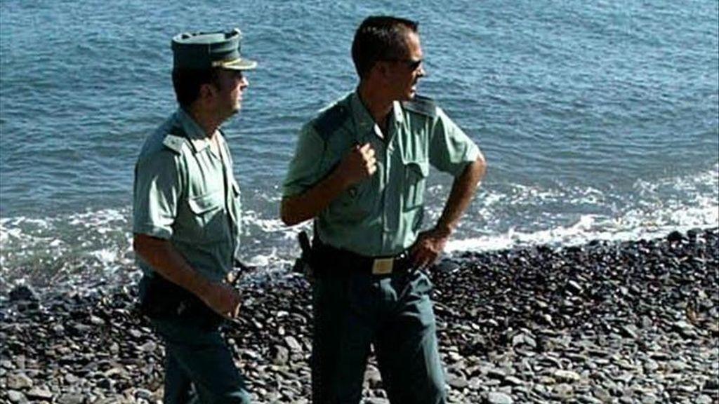 Una menor de diecisiete años murió ahogada esta tarde en la misma zona de acantilados de la costa de Amadores donde esta mañana se ahogó una pareja de alemanes, informó el Centro Coordinador de Emergencias y Seguridad 112. EFE/Archivo