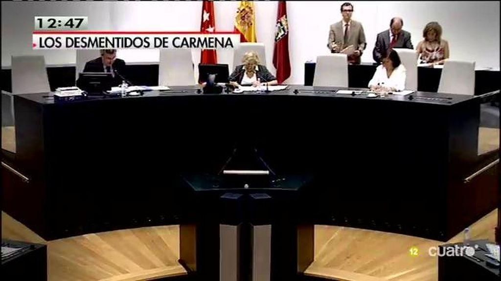 Críticas a Manuela Carmena por la web 'Versión original'