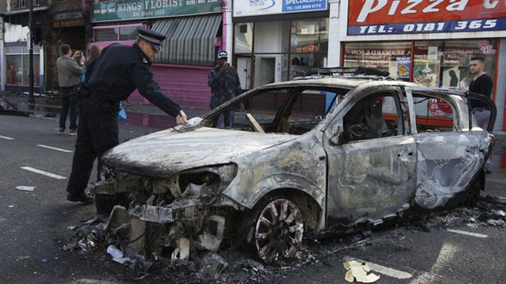 Fuego y destrucción. Foto: AP.